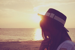 sunset_girl_f.jpg